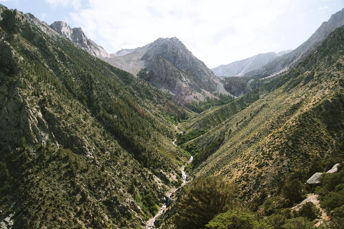 cesta údolím - bezplatné foto