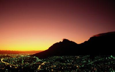 obrázok plochy pre win - mesto v noci