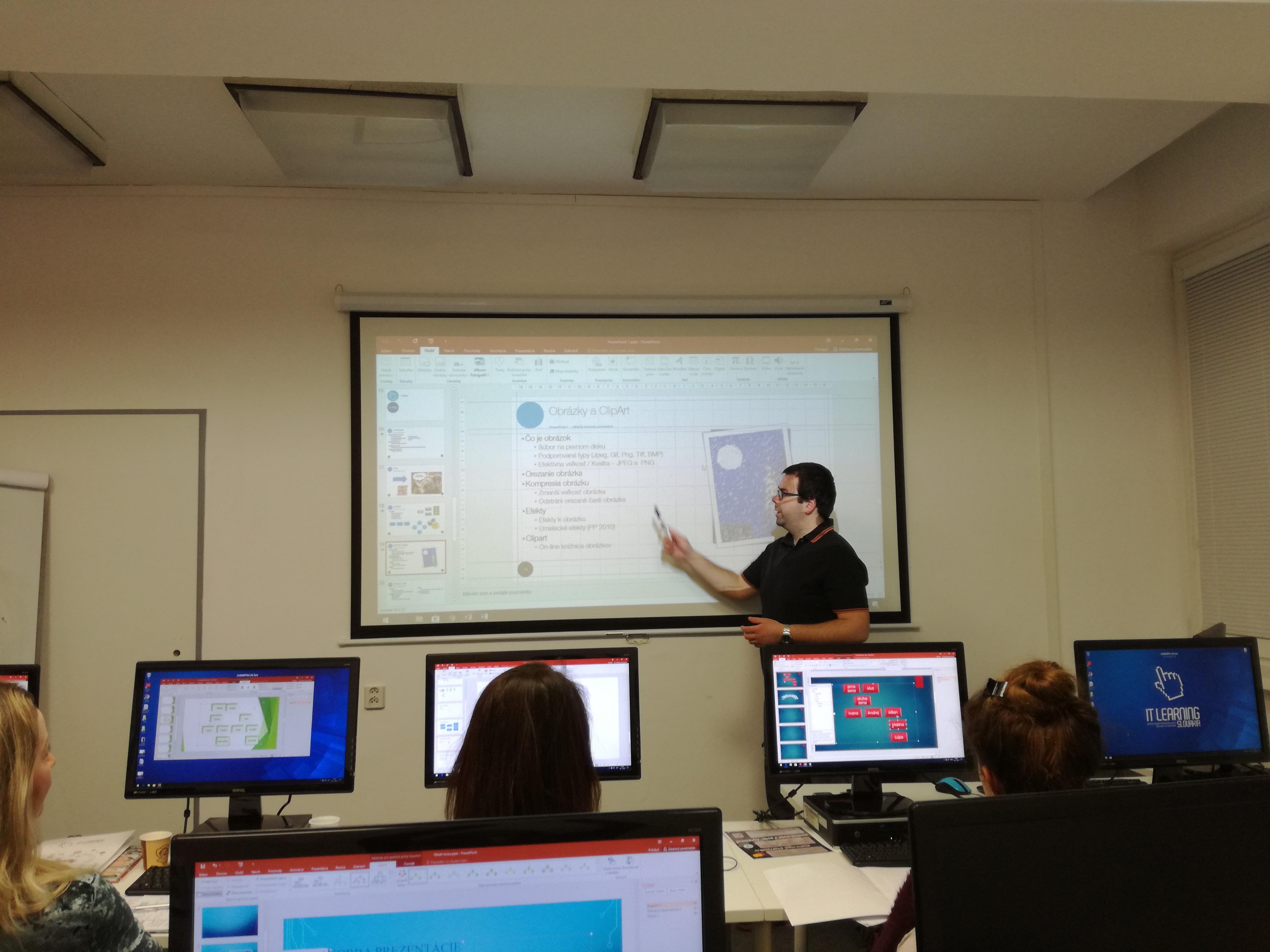 Kurz PowerPoint I. - lektor v miestnosti