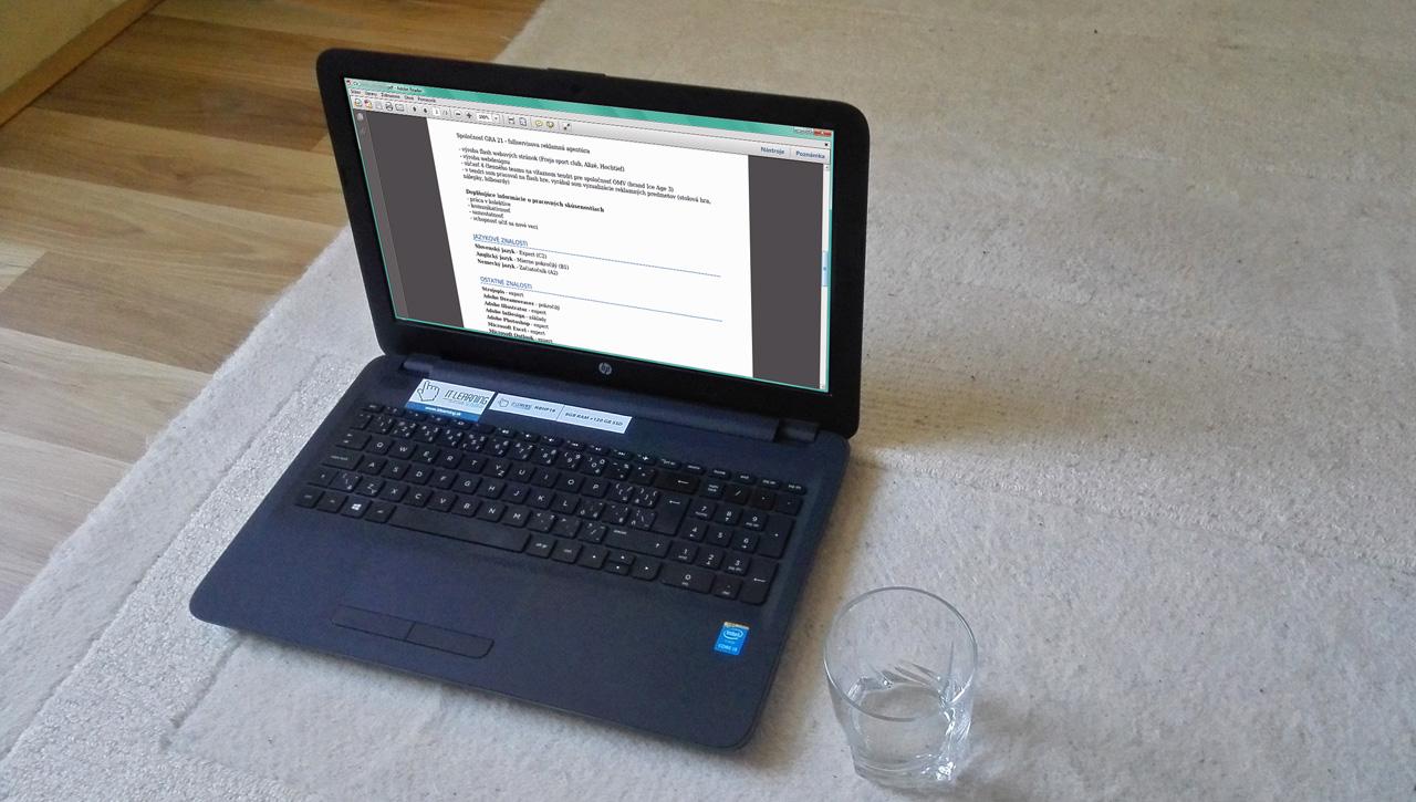 motivačný list ako sprievodca k životopisu - na monitore notebooku