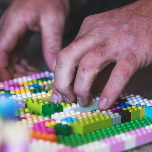 Web stránka z Lego stavebnice?