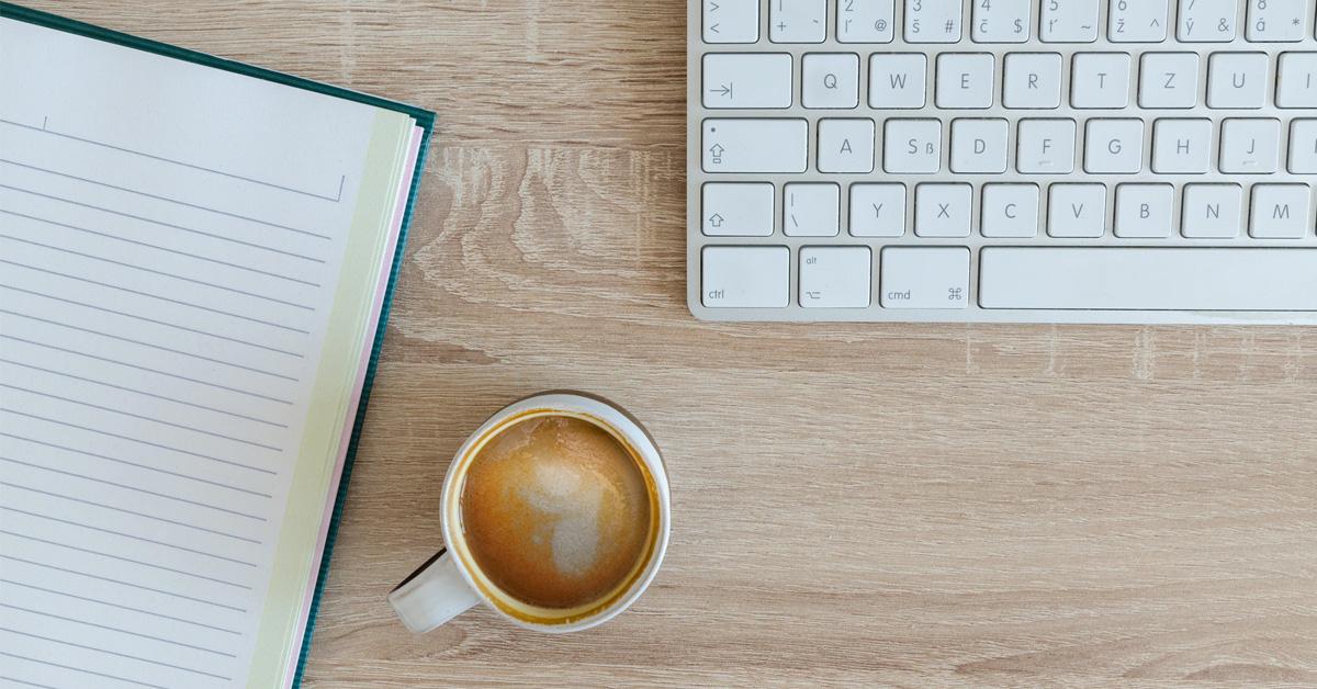 zaciname pisat blog