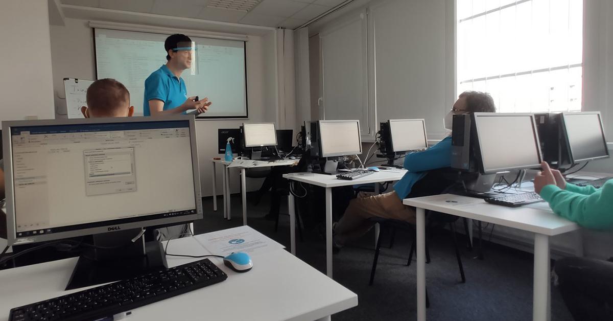 Kurz Outlook Bratislava - lektor vysvetľuje ako nastaviť automatickú odpoveď