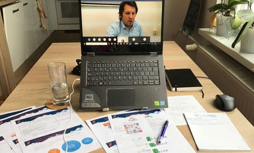 Kurz online formou z domu, s lektorom na obrazovke